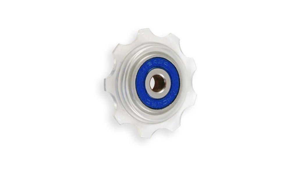 E13 görgő